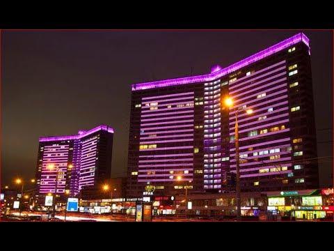 Новый Арбат и Старый Арбат - одни из главных улиц Москвы. Вечерняя прогулка.