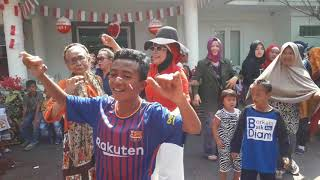 Video Semarak Lomba 17-an Ala Istri Mantan Gubernur Kalsel download MP3, 3GP, MP4, WEBM, AVI, FLV Oktober 2018