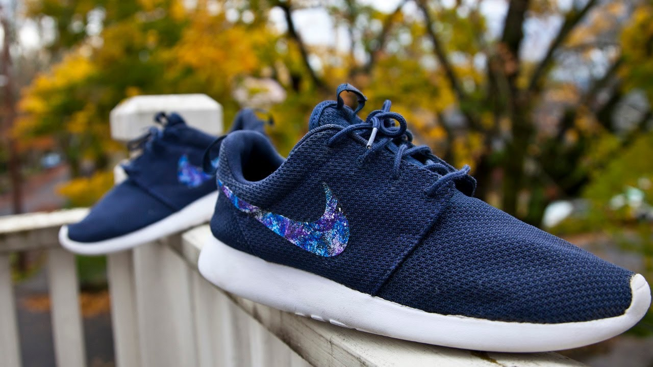 6d1960ef57bad HOW TO Galaxy Roshe Swoosh Custom - YouTube