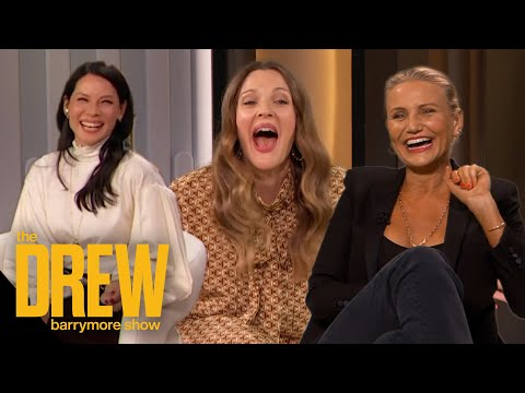 Drew-Kicks-Off-Her-First-Show-with-Her-Charlies-Angels-Sisters-Cameron-Diaz-and-Lucy-Liu