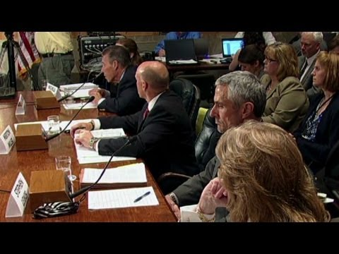 Congress questions NSA vetting process