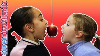 Tartas y Mordiendo Manzanas! Andrea, Irene y Raquel en SUPERDivertilandia. thumbnail