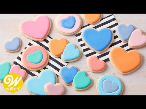 How to Make Thinned Royal Icing For Cookie Decorating   Wilton