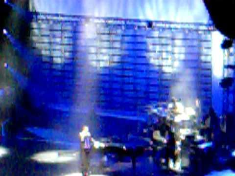 """John Legend """"Quickly"""" LIVE"""