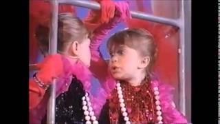 Mary-Kate & Ashley Olsen - Identical Twins