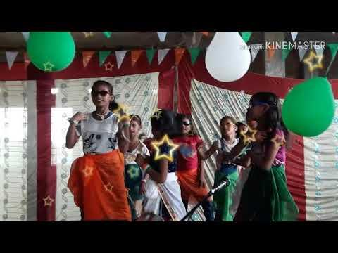 Lungi dance group dance