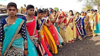 Real Dance Adivasi Girls /// cycle cycle Mari Sonani cycle /// group dance