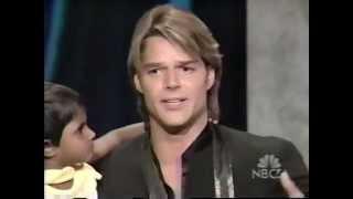 Ricky Martin receiving Hertiage Award