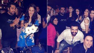 Birthday Girl Aamna Sharif Parties Hard With Aamir Ali & Shweta Rohira | SpotboyE