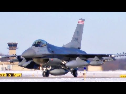 F-16 Fighters Taxiing & Takeoff @ Truax Field (2015)