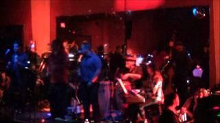 No vale la pena enamorarse By Orquesta Internacional La Clave Nov  09 2013