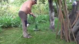 Косим газонную траву. Триммер(, 2015-07-05T19:12:43.000Z)