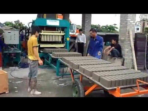 QT4-15 Hydraulic Fully Automatic Block Making Machine