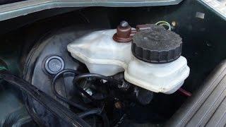 Comment remplacer un maître cylindre de frein (sur Citroën ZX)