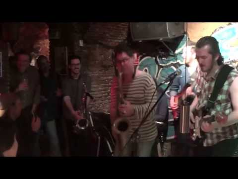 Edu Bighands Band con Sax Gordon - Wait A Minute