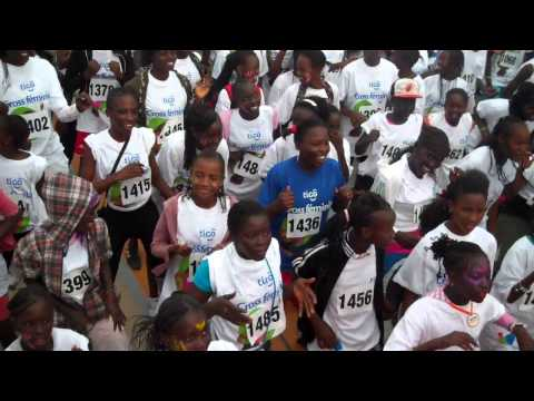 Senegalese school children at the 8th edition of Dakar'elles 2012