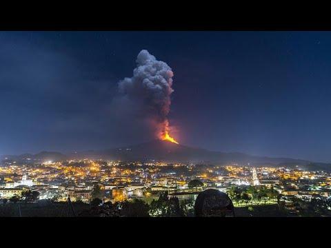شاهد: بركان إتنا يقذف سيلا من الحمم البركانية في صقلية والسلطات تؤكد عدم وجود خطورة على السكان…  - نشر قبل 3 ساعة