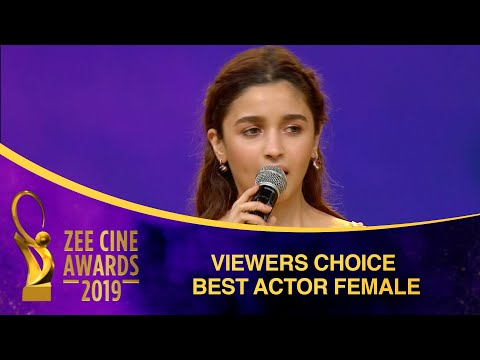 Alia Bhatt For Raazi   Viewers Choice Best Actress   Zee Cine Awards 2019