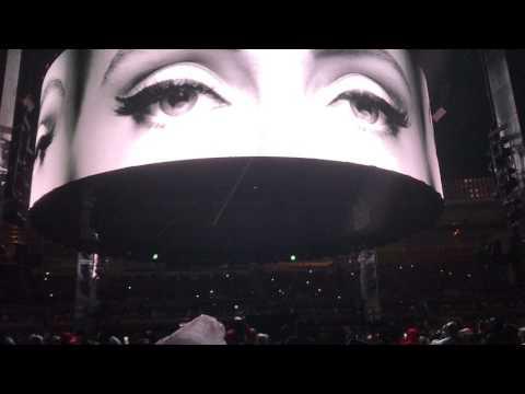 Adele - Hello live intro Tour 2017 Auckland NZ