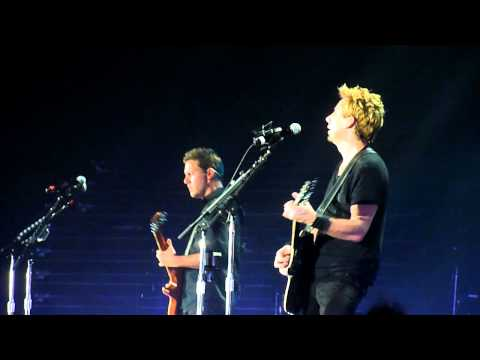 Nickelback @ Hallenstadion Zürich (Trying Not to Love You)