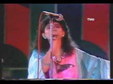 Vina Panduwinata - Burung camar (Live)
