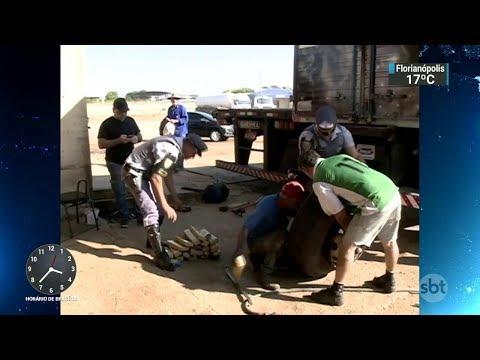 Polícia prende dois homens que transportavam drogas no interior de SP   SBT Notícias (06/10/17)