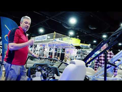 2018 Pontoon Boat HIGH QUALITY ELECTRONICS | Avalon Luxury Pontoons