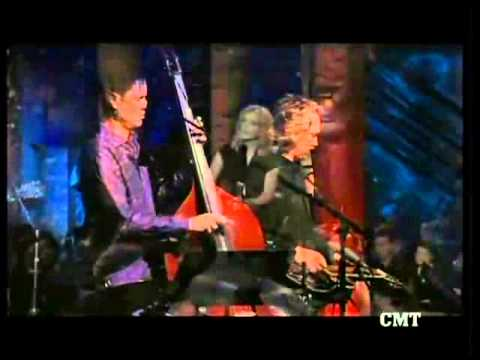 Alison Krauss and Vince Gill、 With「Union Station」 - Tryin' To Get Over You