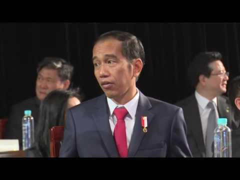 Jokowi Kunjungi Markas K-Pop