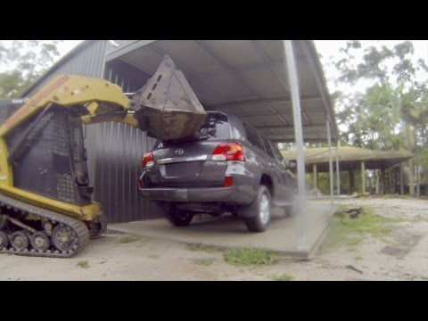 Bobcat Smashes A Brand New Toyota 200 Series Landcruiser