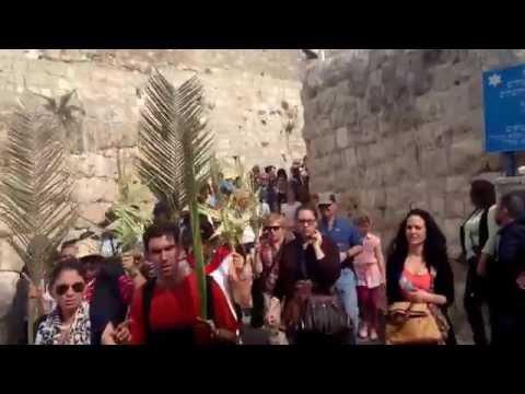 Easter in Jerusalem: 2014 Palm Sunday procession from Mt of Olives to Jerusalem