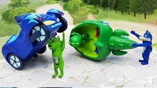 Мультики про машинки с игрушками Герои в Масках - Под маской!