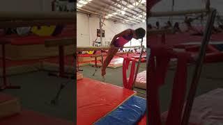 Gambar cover Prenivel barras del gimnasio Rita Einung Gymnastic