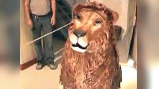 Da Vinci's Lion Robot Hides a Special Surprise