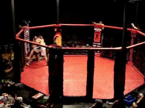 MMA Ecuador Montenegro VS Cevalloz - round 2