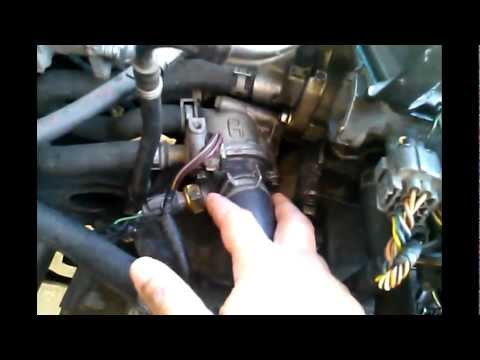 how to replace a thermostat on a honda civic engine youtube rh youtube com