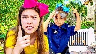Настя Артем и Мия играют в офицера полиции