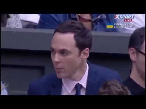 Jim Parsons at wimbledon talking and chewing