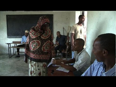 Voters cast ballots in second phase of Comoros poll