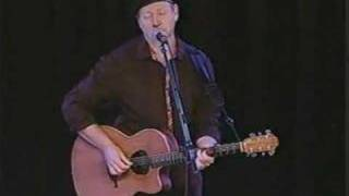 Watch Richard Thompson Dimming Of The Day video