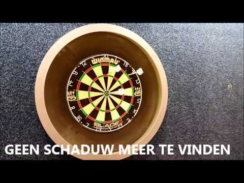 De dartbord verlichting en ophangsysteem in 1 - YouTube