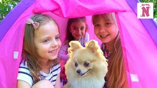Питомец собачка НЯША Настя с подружками играют в палатке My little Pony