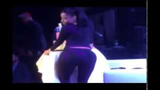 Download Video Nicki Minaj - Twerking With Her Big Ass MP3 3GP MP4