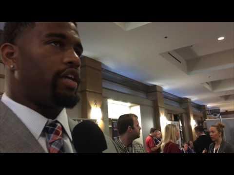 Ryan Fowler talks with Alabama DE Jonathan Allen