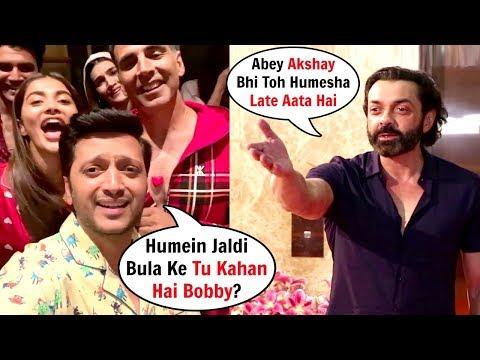 Ritesh Deshmukh And Akshya Kumar TROLL Bobby Deol For Coming Late At Housefull 4 Screening Mp3