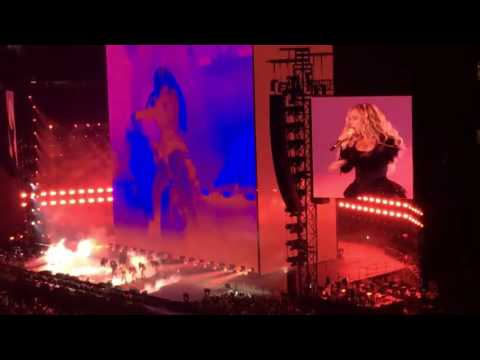 Beyoncé - Sorry and Bow Down (Formation World Tour In Arlington AT&T Stadium)