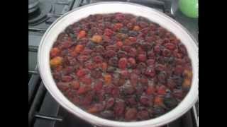 видео Компот из шиповника - Пять способов приготовления компота из