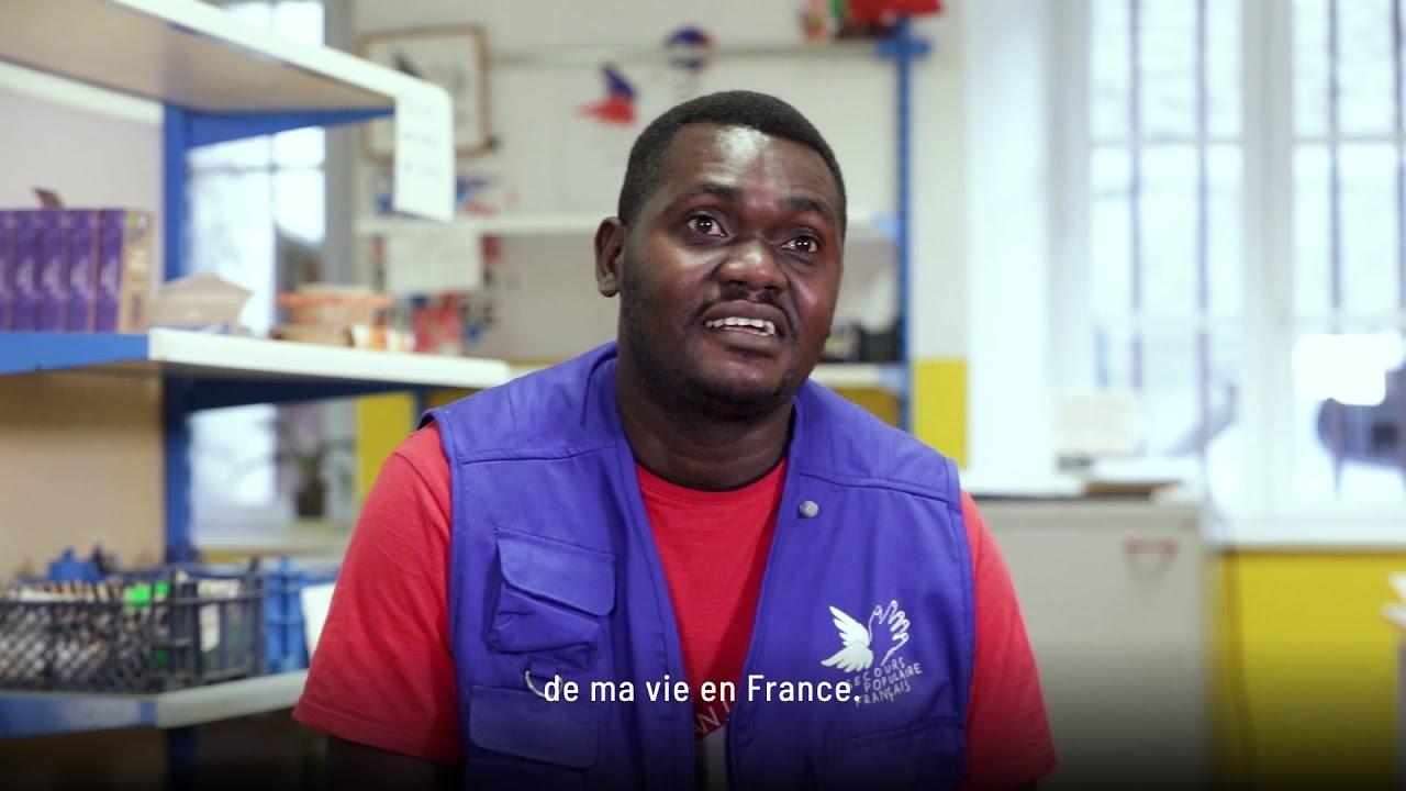 Rémy, responsable du libre-service alimentaire à Foix