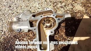 démonter la pompe à eau, caler le vilebrequin et arbres à cames OPEL CORSA C 1.2