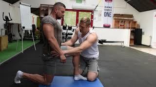 KULTURYSTA z bólem kręgosłupa. Czy można trenować z DYSKOPATIĄ ?
